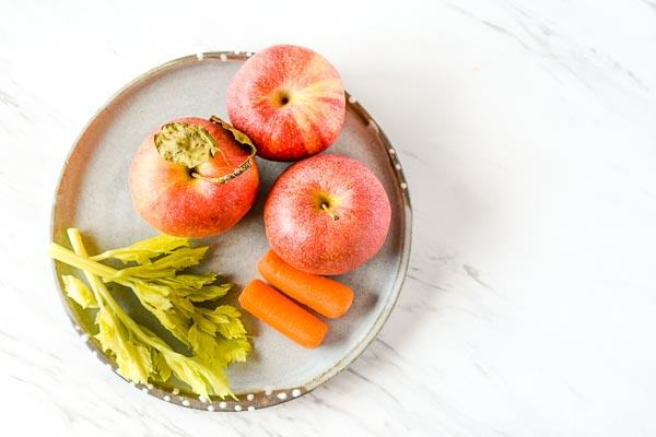 apple carrot celery romaine