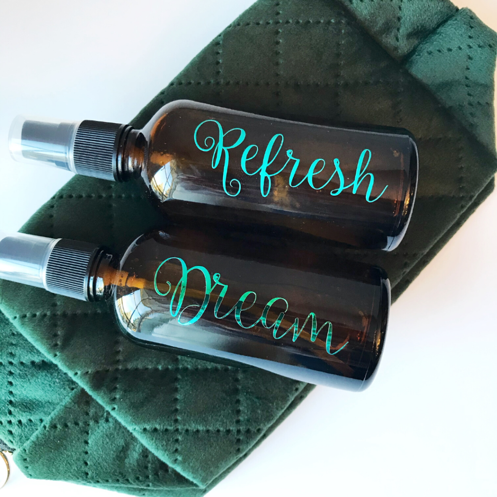 a set of pillow mist to help you fall asleep fast and refresh mist for an uplifting scent