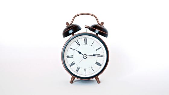 clock representing eat late at night