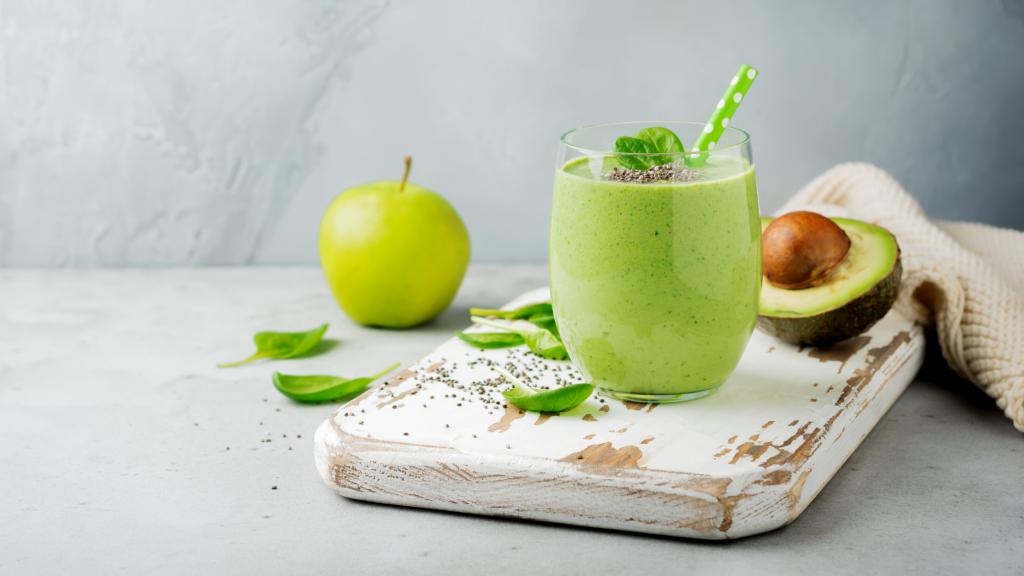 avacado smoothie for an easy breakfast idea